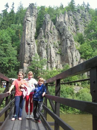 houpací most a Svatošské skály